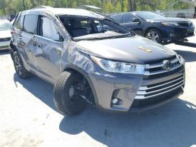 Salvage Toyota Highlander